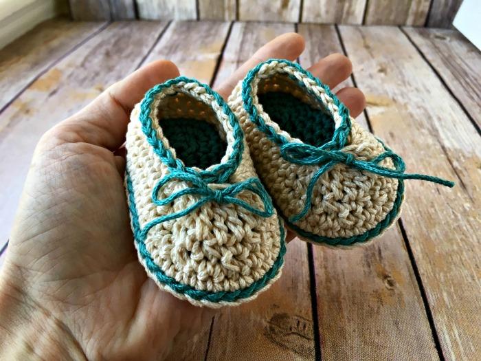 Basic Baby Booties Free Crochet Pattern Love Life Yarn