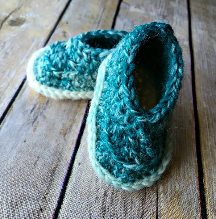 Free Crochet Pattern - Baby Scarfie Booties