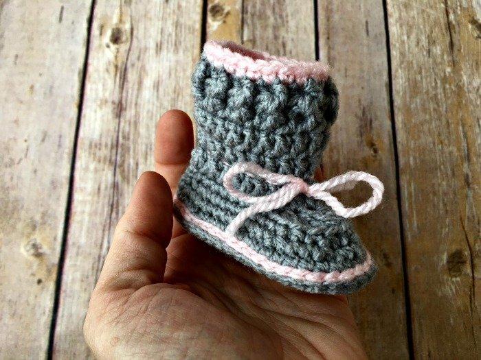 Free Crochet Pattern - Spring Baby Booties