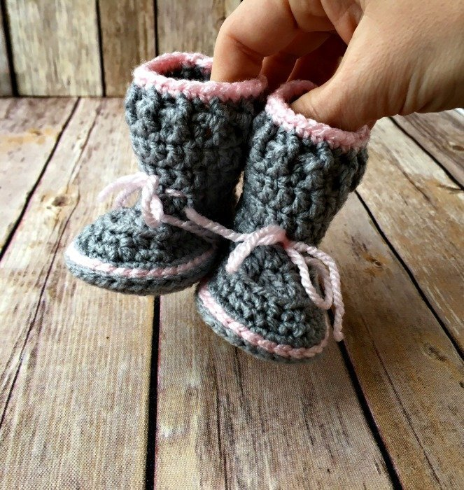 Free Crochet Pattern - Spring Baby Booties