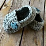 Free Crochet Pattern - Baby Button Loafers