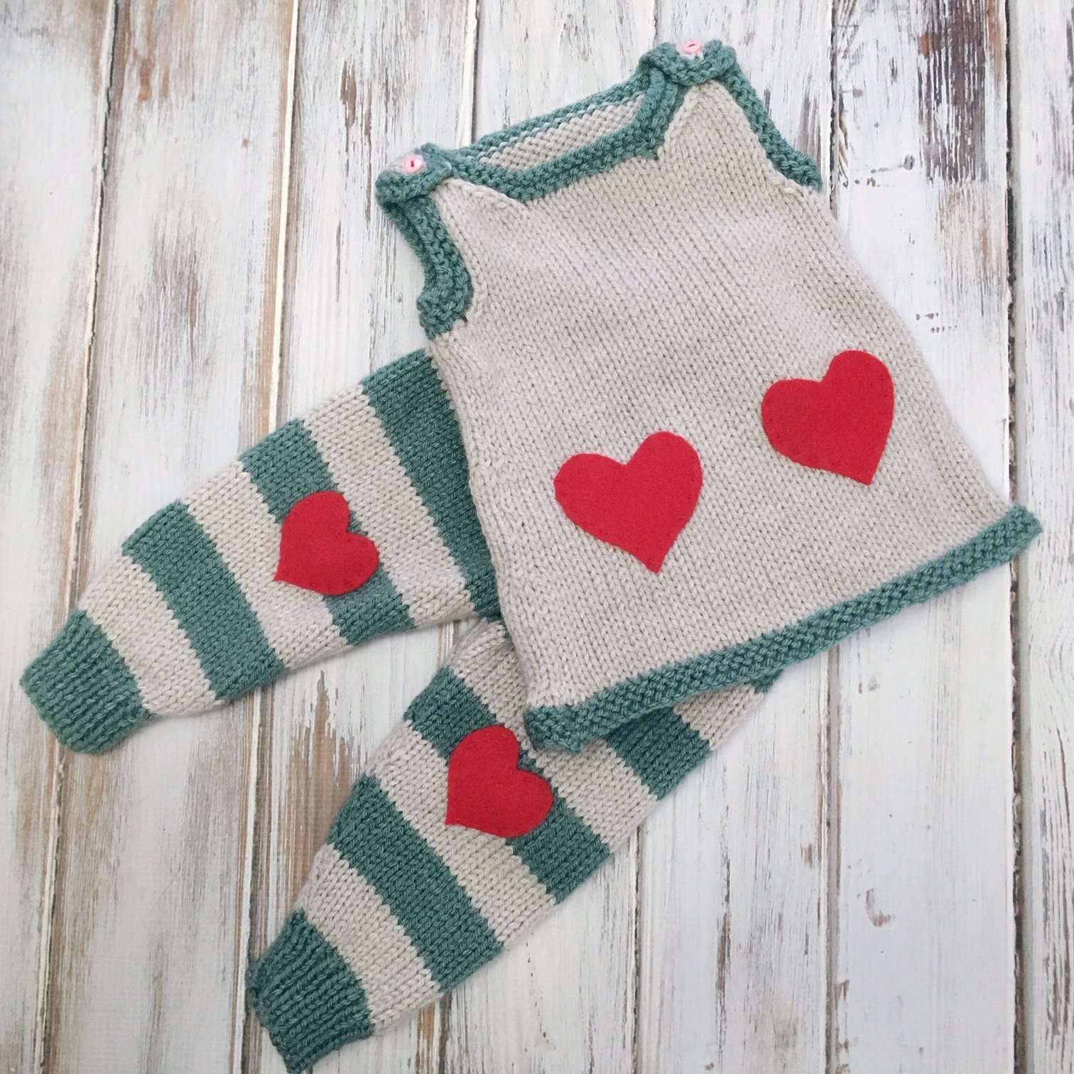 Valentine Baby Set - Free Knitting Patterns