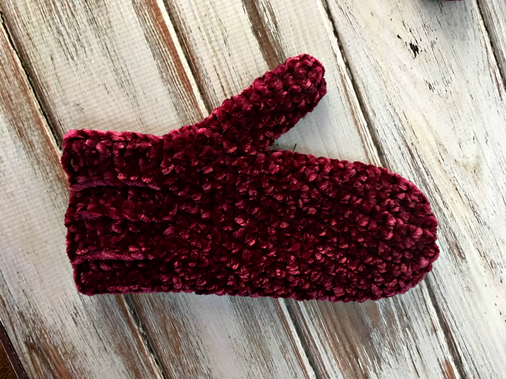 Velvet Mittens - Free Knit and Crochet Pattern
