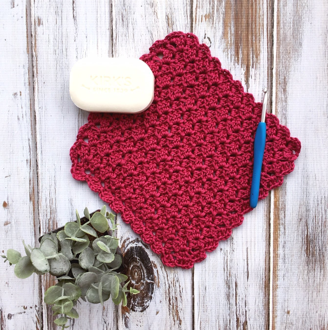 Free Crochet Pattern - Duchess Lace Washcloth