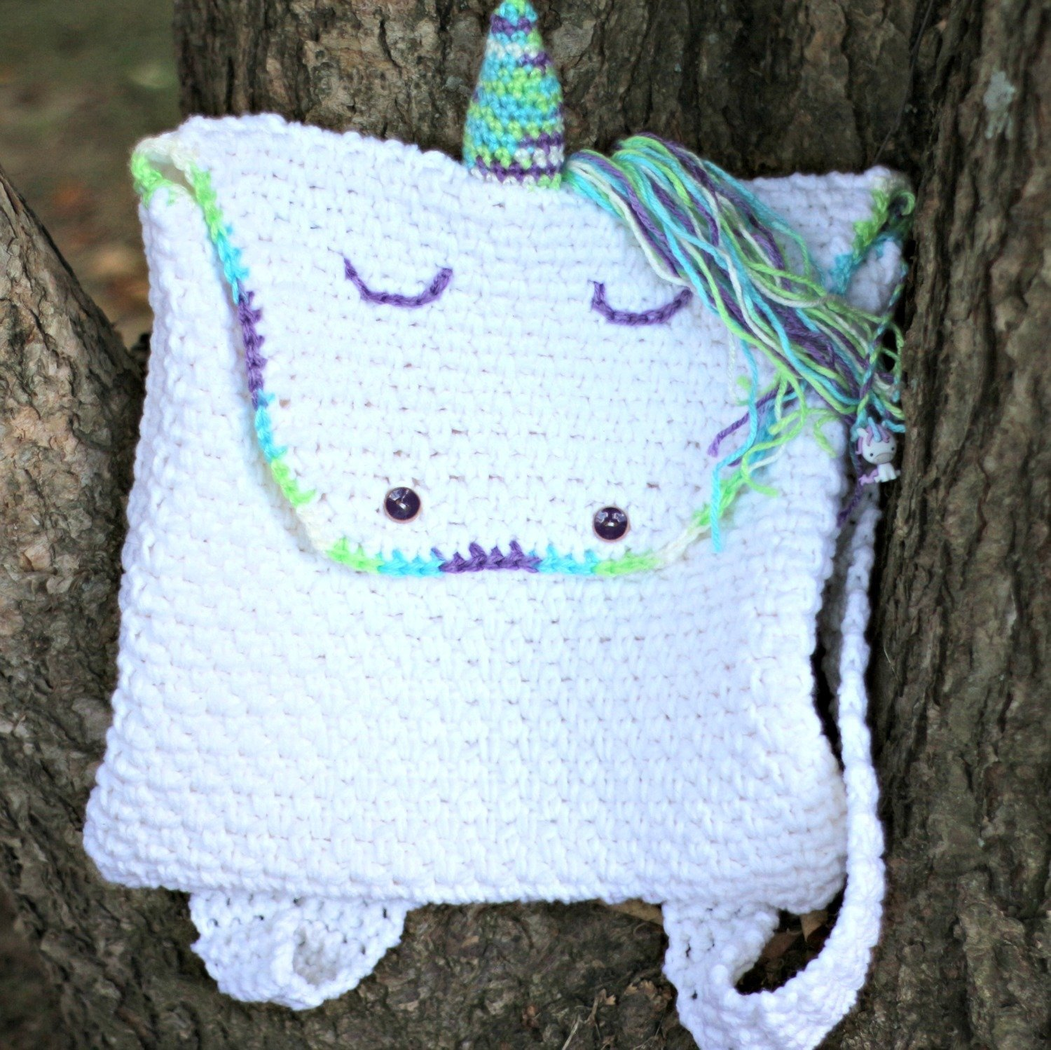 How to crochet a unicorn backpack with free pattern