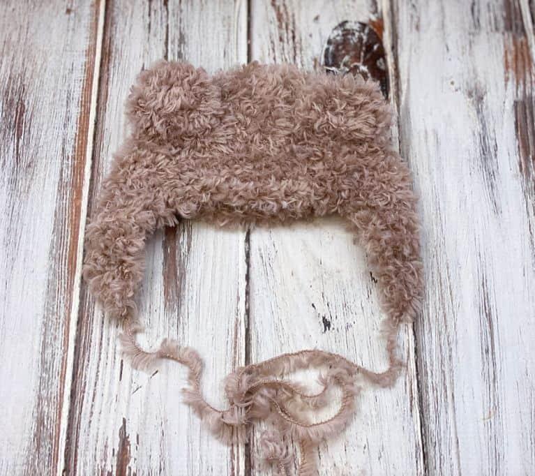 crochet baby hat pattern lying flat