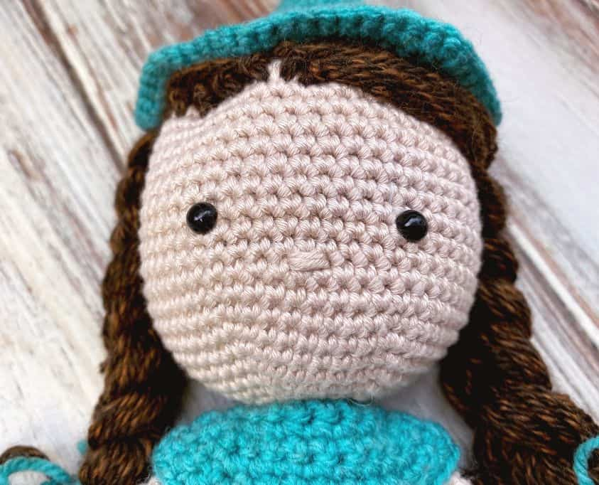 how to crochet a doll head